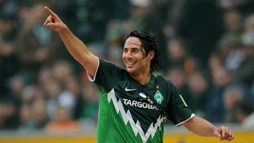 23. Oktober 2010: Pizarro nun internationaler Top-Torjäger der Bundesliga